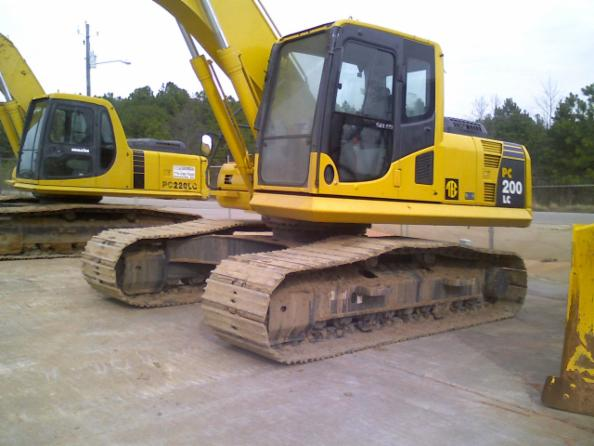 Heavy Equipment Painting : Equipment cleaning industrial heavy machinery